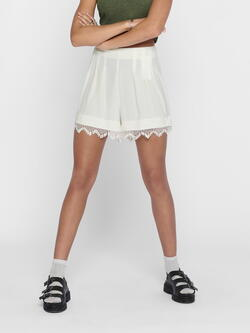JDY White / Cloud Dancer Kaizer Shorts